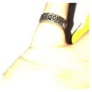 Toe ring in silver patterned boho